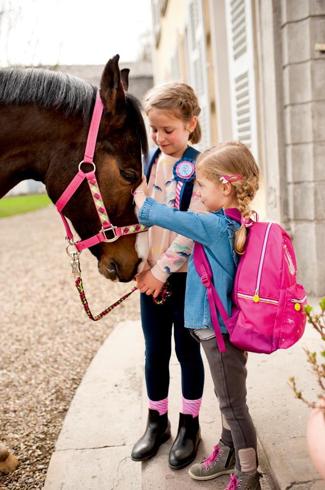 Rucksack Pferdefreunde (pink, mit Glimmer+Stickerei)